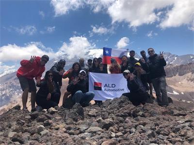 Con trekking de 4.000 metros ALD Automotive Chile celebró sus 4.000 unidades